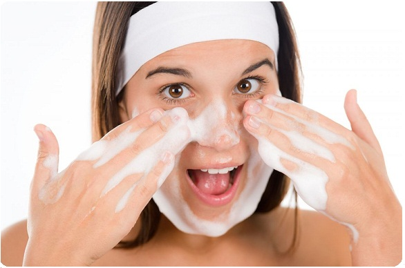 Mencuci Muka Bisa Memicu Kerusakan pada kulit