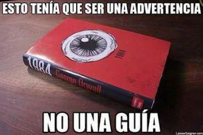 Meme de humor sobre 1984, de George Orwell