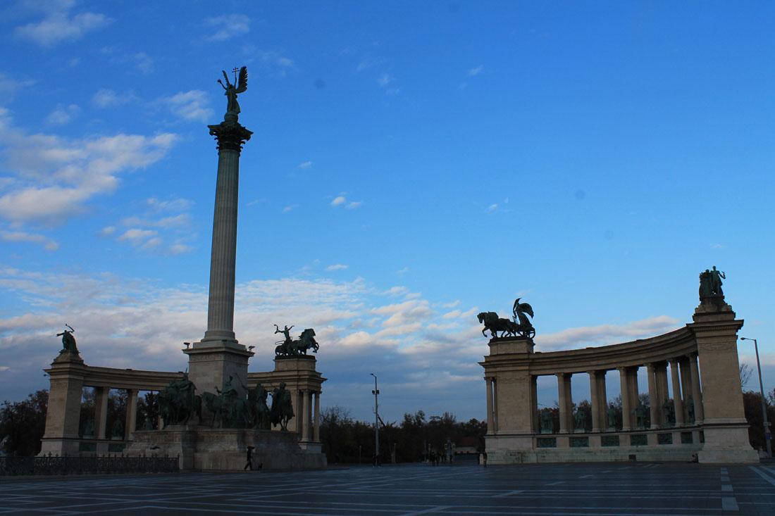 Piazza degli eroi