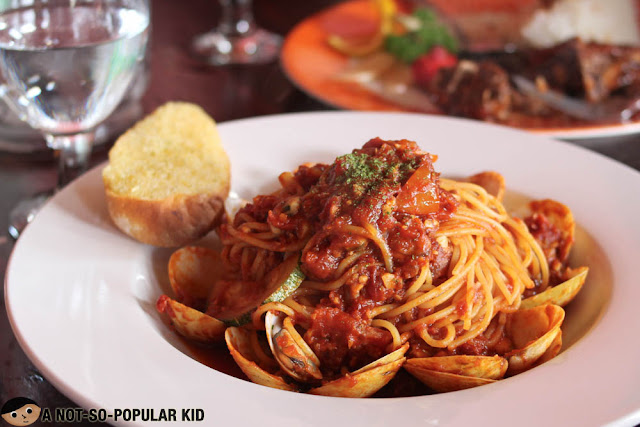 Vongole in Tomato Sauce