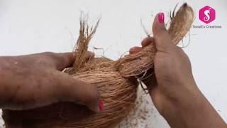 Mencabut Sabut kelapa