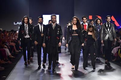 Sonakshi-Sinha-and-Karan-Johar-ooze-high-octane-glamour-for-Falguni-and-Shane-Peacock