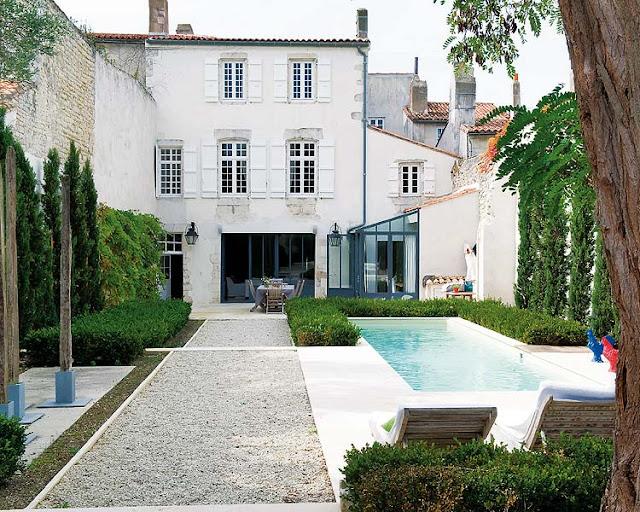 Noir blanc un style for Refection de facade maison