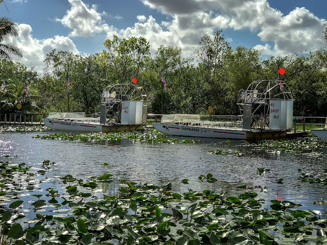 Airboats at Everglades Safari Park