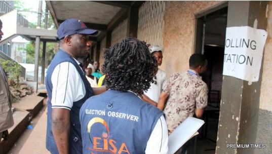Goodluck-Jonathan-monitors-Sierra-Leone-election-3