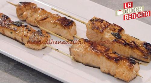 La Cuoca Bendata - Spiedini di salmone satay ricetta Parodi