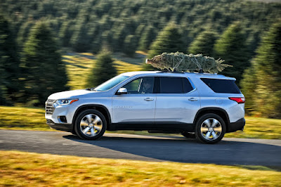 Chevrolet's List of Tips for Transporting Your Holiday Tree Home