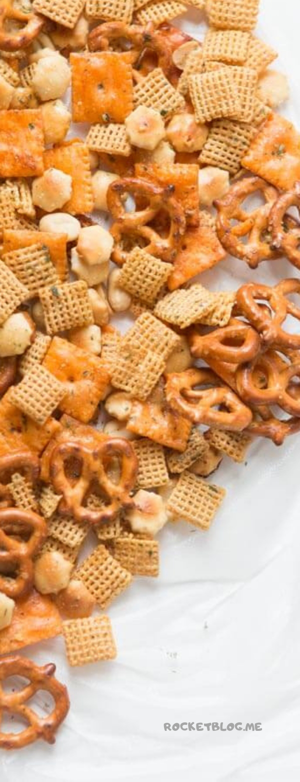 RANCH SLOW COOKER CHEX MIX #SLOWCOOKER #CROCKPOT