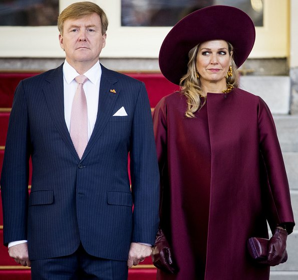 Queen Maxima's new claret red dress are from the 2018 collection of Belgian fashion house Natan. Queen wore her claret red coat by Natan