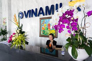 Thiết kế khu vực lễ tân văn phòng công ty Vinamilk