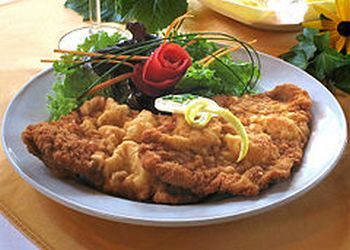 пища очень сытная, с обилием мяса и клецек
