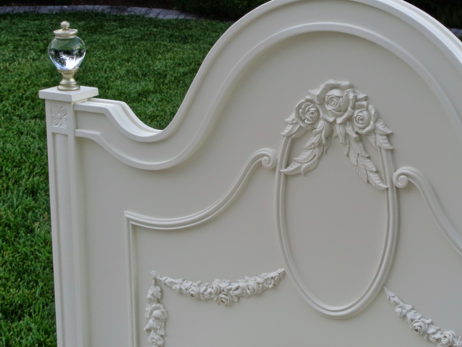 French Garden Treasures French Garden Treasures White Twin Bed with Glass Finials 575 SOLD