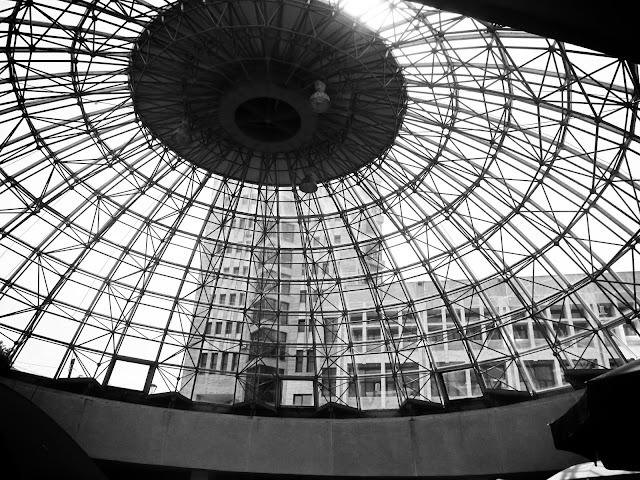 Cupola de sticlă și sediul ANAF - blog FOTO-IDEEA