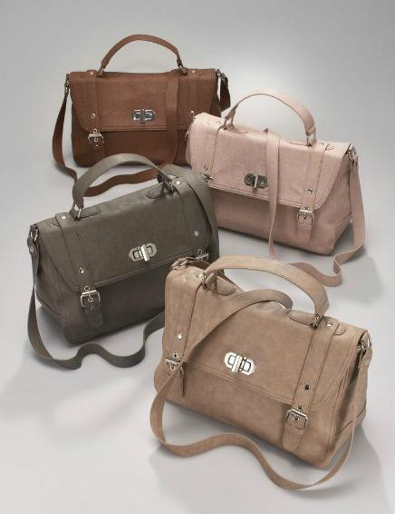 I Realized That Don T Have Many Options When It Comes To Hands Free Bags In The End Found A Gorgeous Taupe Faux Leather Bag At New York And Company
