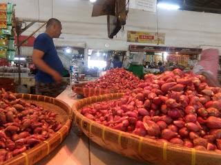 Beberapa Komoditas Pangan Alami Kenaikan di Pasar Jagasatru
