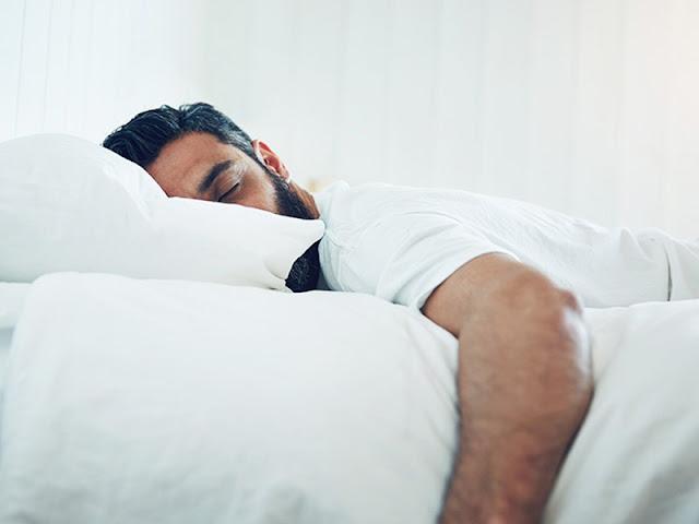 Jangan Tidur Dengan Posisi Seperti Ini, Karena Tidur Yang Demikian Adalah Tidurnya Orang-orang Yang Dimurkai Allah.