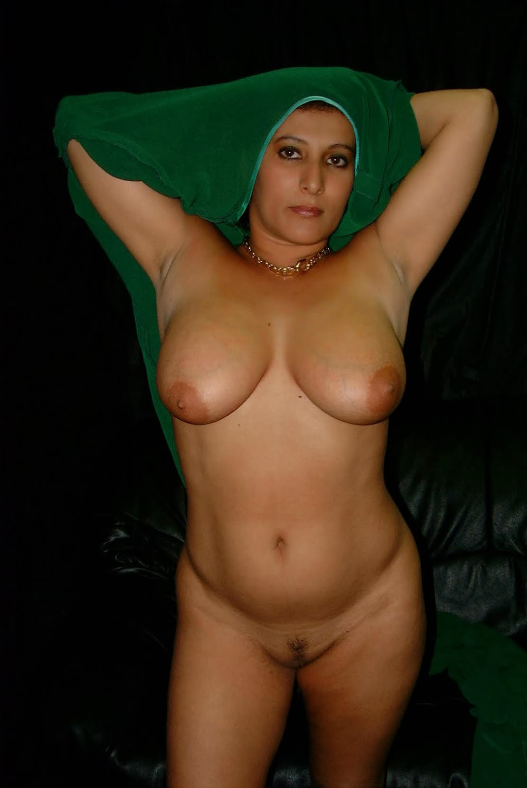 Naked Girls Mature Indian Aunty Big Boobs-3425