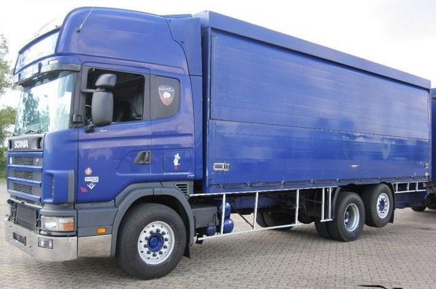 truk tronton box arna biru