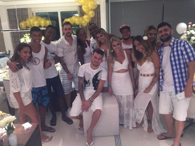 La picante hermana de Neymar sube la temperatura en año nuevo