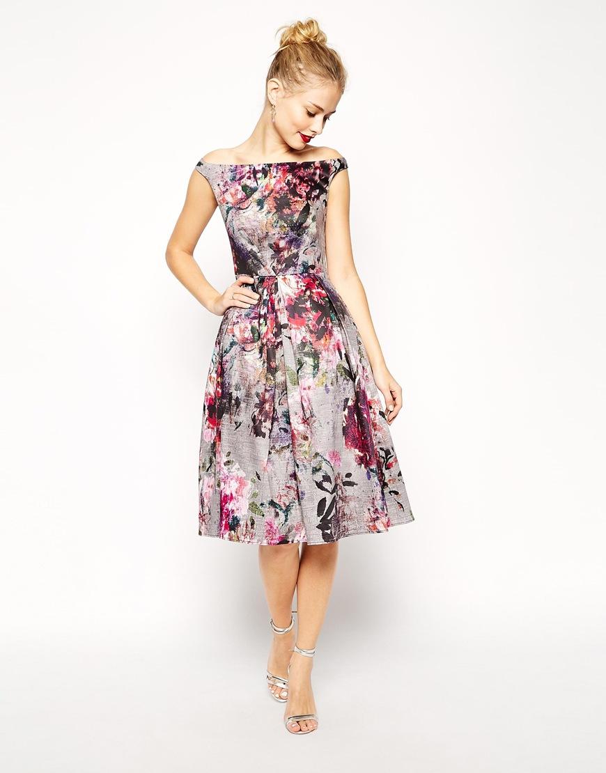 Modelos de vestidos floreados para gorditas