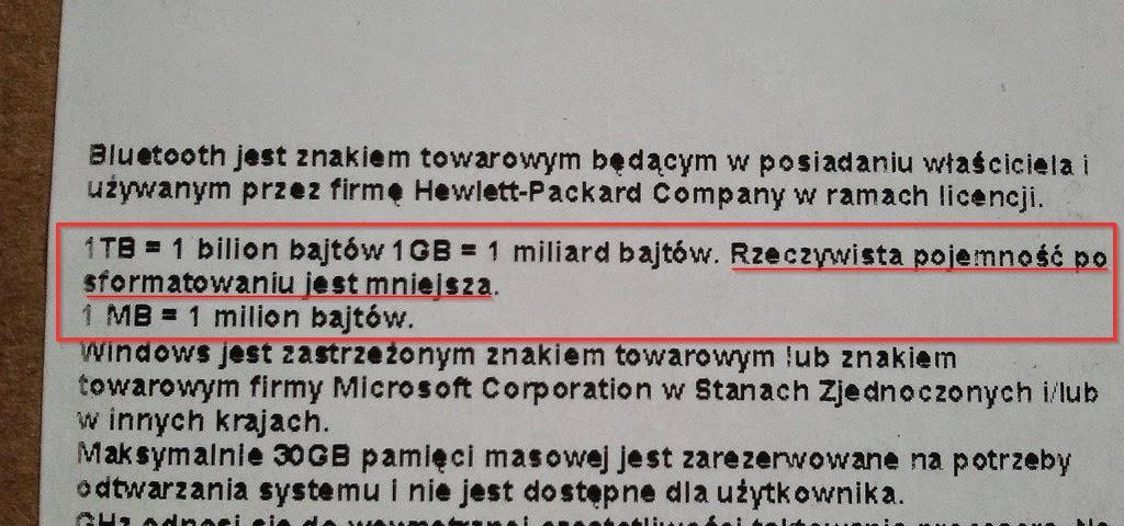 Informacja o pojemności dysku twardego naklejona na pudełku laptopa HP