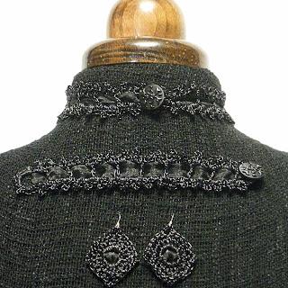 Conjunto ganchillo metálico en color negro