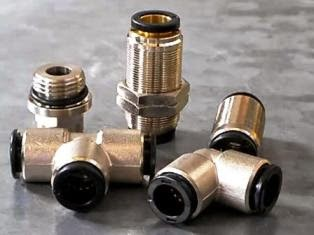 Racor neumático automático clip