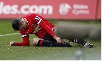 Robin van Persie could miss Manchester United's next four league games through injury.