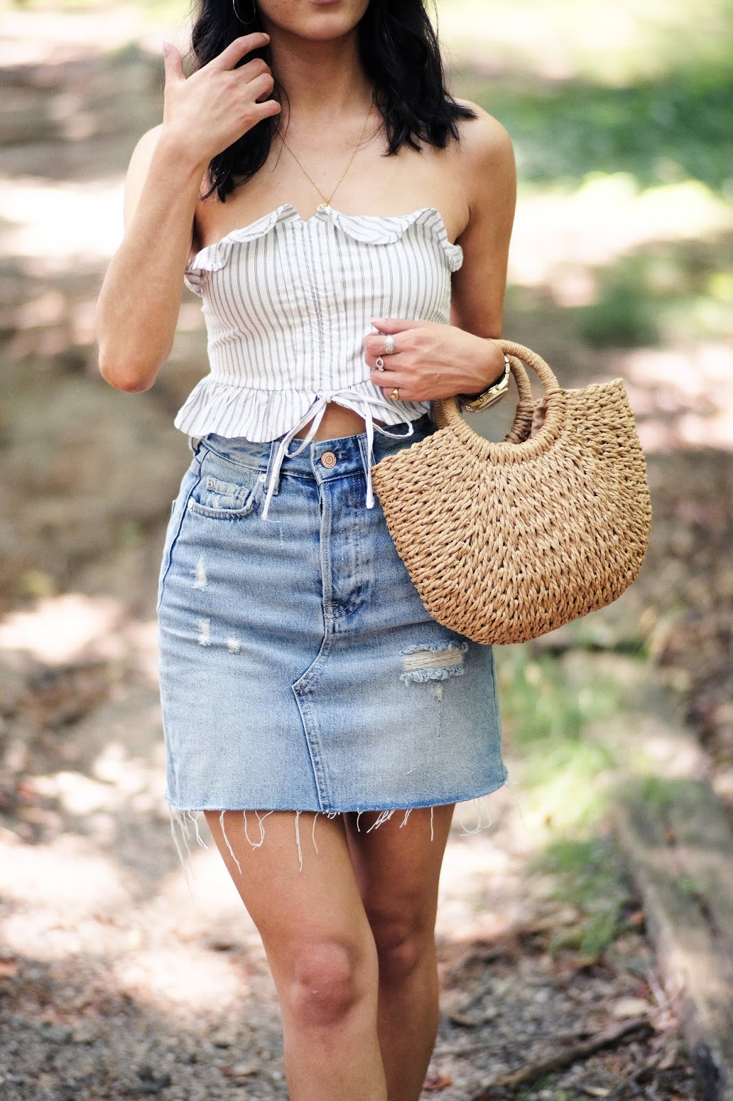 lulus ruffle stripe top, high waisted h&m denim skirt, lulus straw bag
