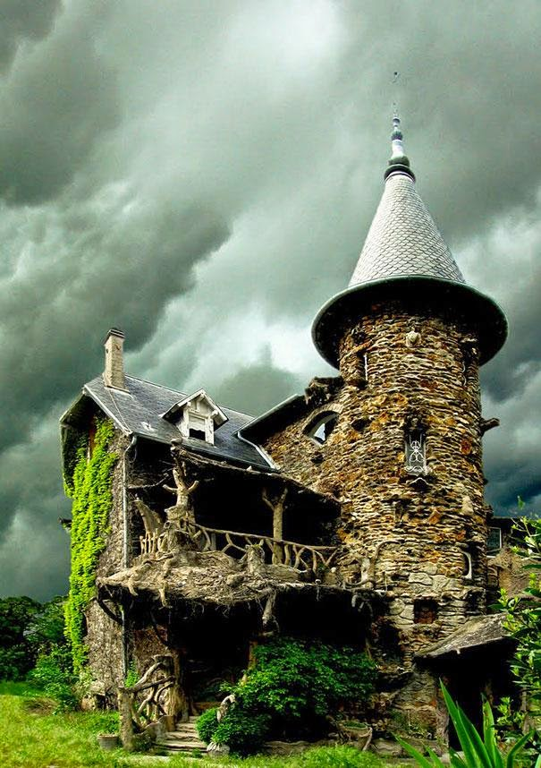 Here Are The 17 Most Magical Houses In The Entire World. I Would Live In #6 Without A Doubt.