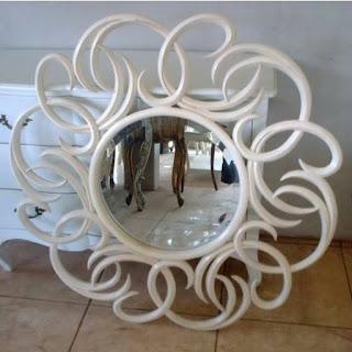cermin bulat putih