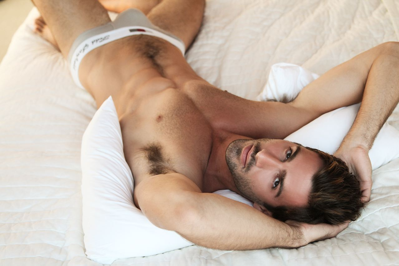 Резиновыми игрушками фото видео мужчины голые фото высокого разрешения мужика