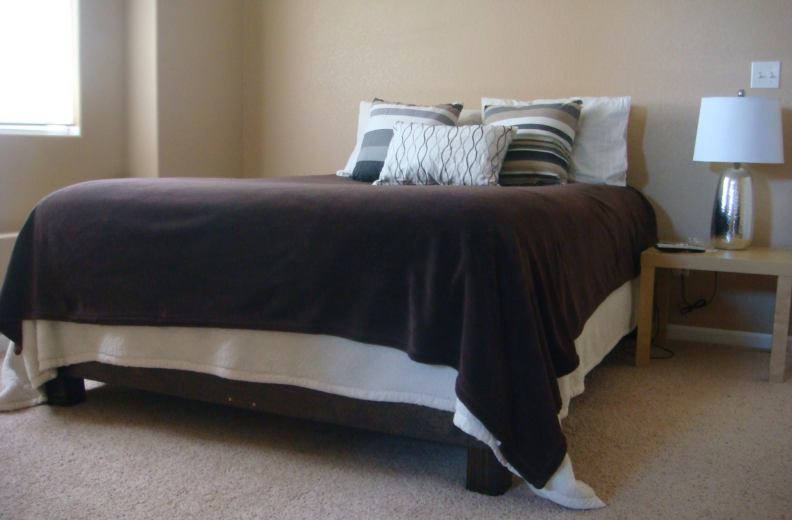 Weve Always Had A Plain Boring Metal Bed Frame In Our Room But Wanted Something Little Nicer I Found Great On Ana Whites Blog That