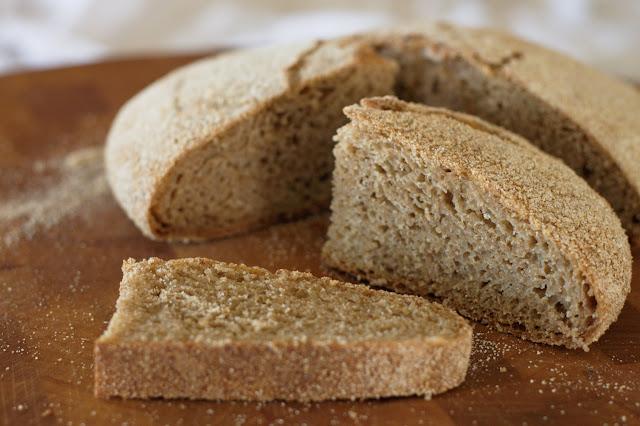 rustic bread in Dutch oven