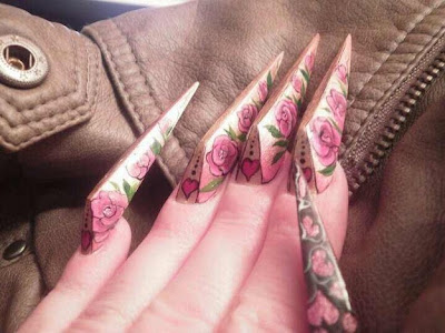Uñas decoradas con forma geometricas