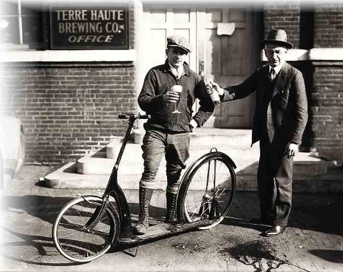trottinette Ingo Bike devant la Brasserie Terre Haute