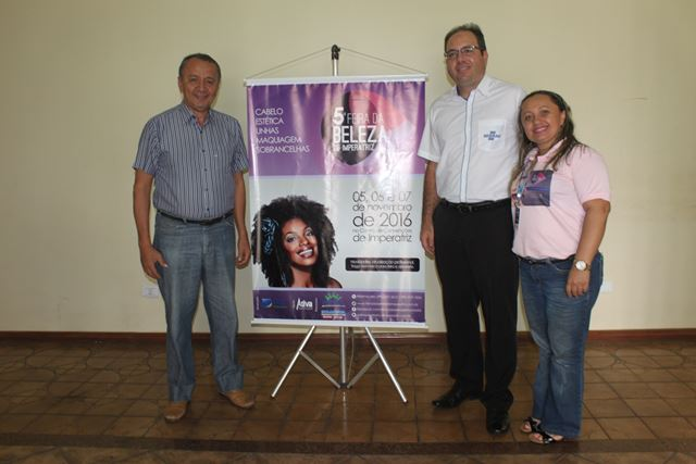 Francisco Almeida (diretor Feira da Beleza), Danilo Lisboa Borges (gerente Sebrae Imperatriz) e Aécia de Paulo (gestora Feira da Beleza)