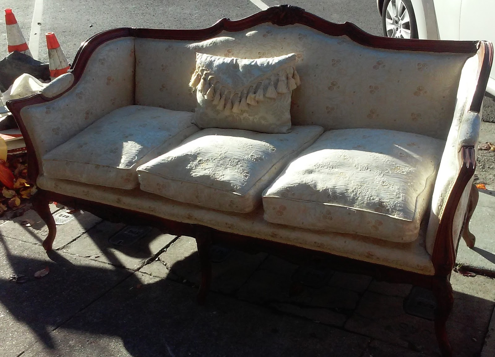 Uhuru Furniture Collectibles Sold Vintage French