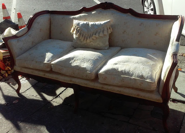 Uhuru Furniture & Collectibles Sold Vintage French