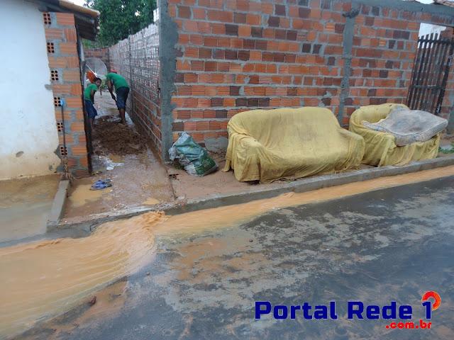 Forte chuvas em Pedro II ocasiona alagamentos em residências
