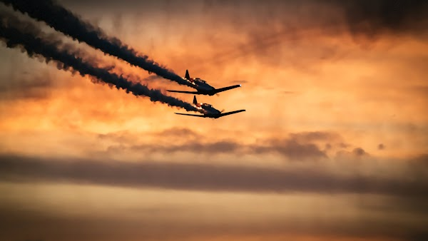 Airplanes on Sky