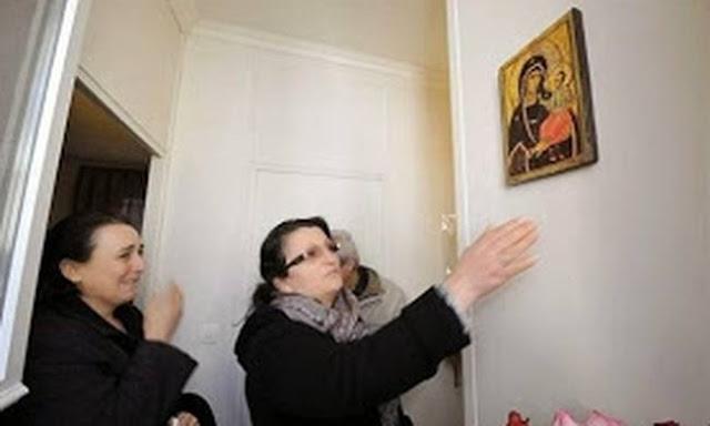 Συγκλονιστικό: Η Παναγία δακρύζει στο σπίτι Τούρκου! (photo)