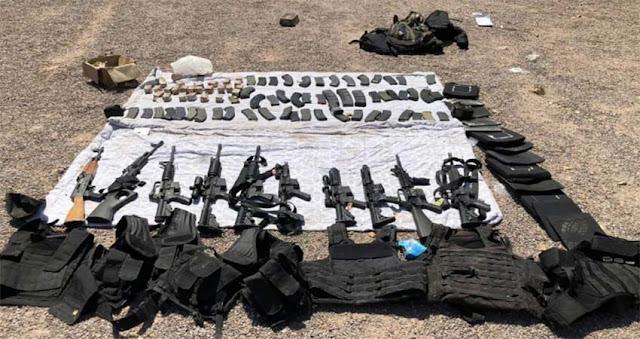Revientan reunión de convoy de 9 sicarios, militares los detienen con un arsenal en un hotel de Sonora