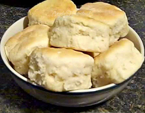Home Sweet Homestead: Southern Buttermilk Biscuits