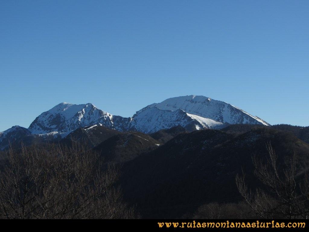 Pico Mosquito desde Tarna: Desde el pico Mosquito, vistas hacia el Ten y Pileñes