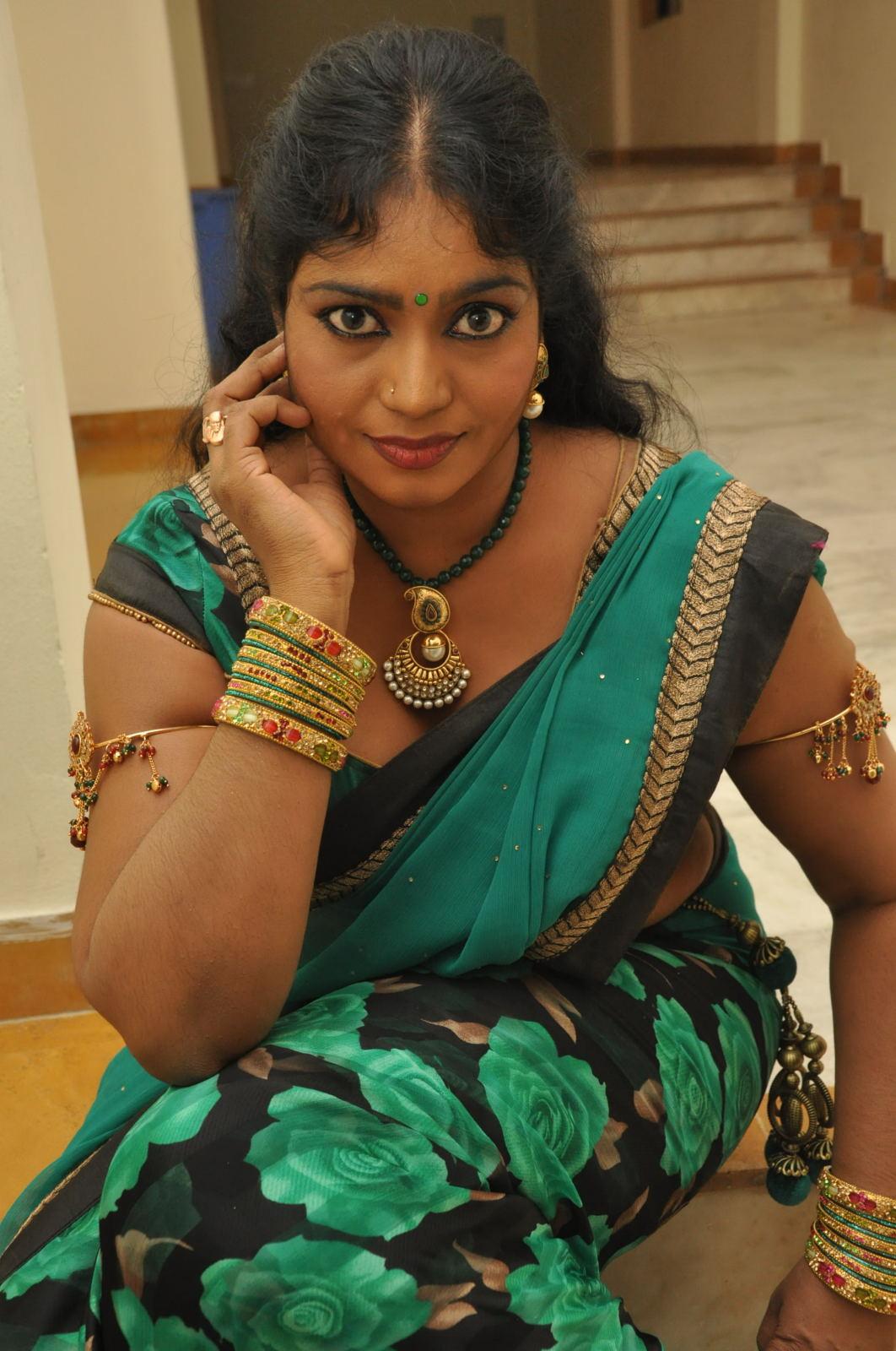Dressing Below Navel Saree: Jayavani Hot Photos