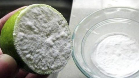 I Dipped Half A Lemon In Baking Soda And It Changed My Health Forever