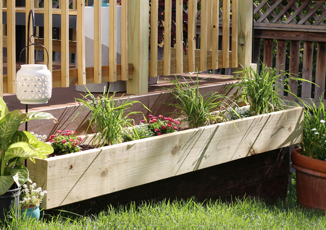 how to build a flower box on the side of deck -
