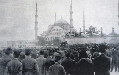 1919 yılı İstanbul mitingleri ile ilgili görsel sonucu