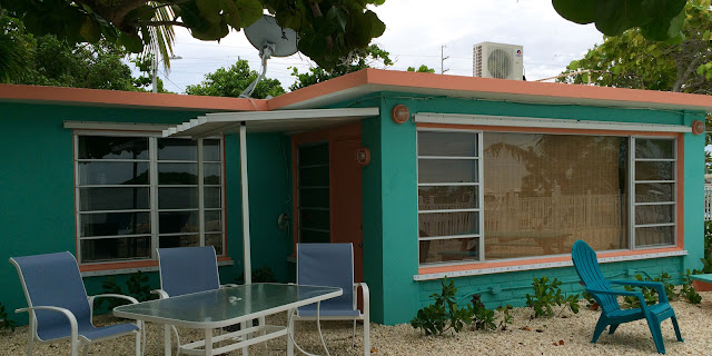 Captain Pips Marina Hideaway is a Marathon resort, located in the heart of the Florida Keys. Known for spotless water front vacation rental accommodations and friendly island atmosphere.